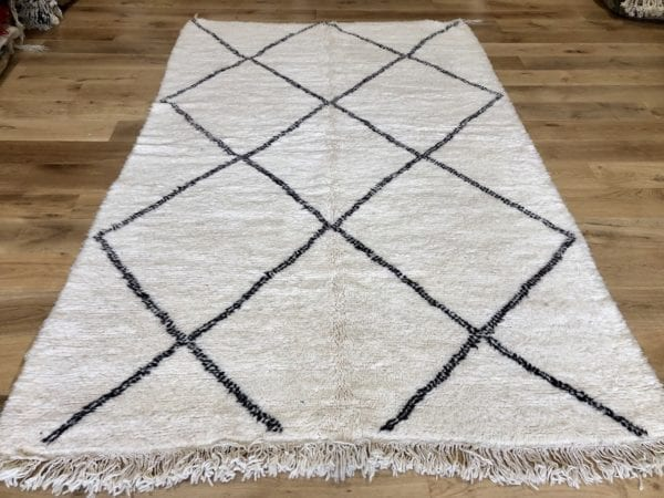 Beni Ouarain Simple Geometric Design Large Rug
