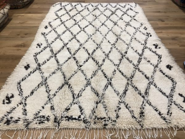 chunky pile rug cream berber rug with brown diamond pattern